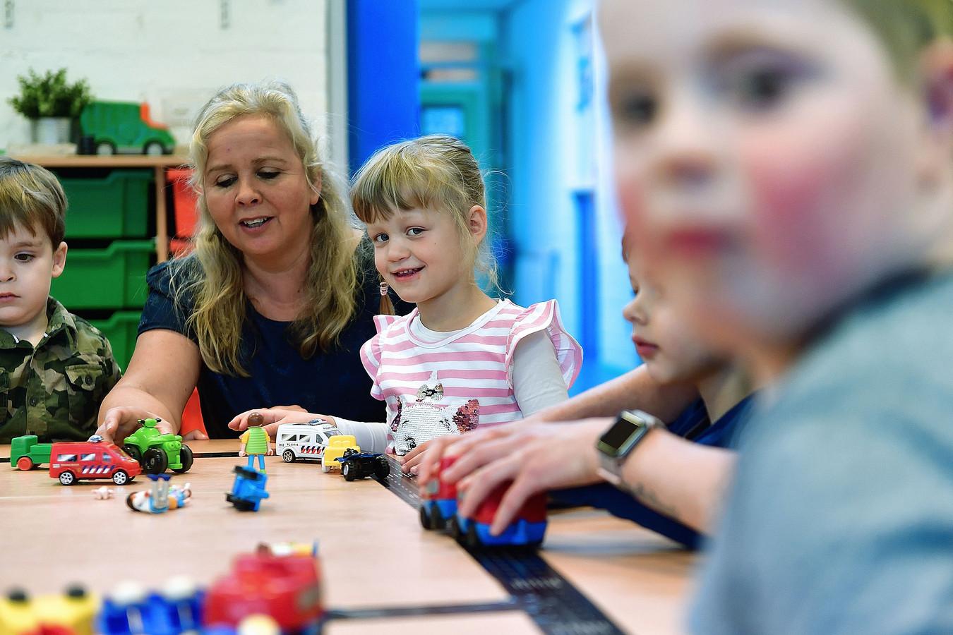 Dankzij de inspanningen van Stichting Wij Samen draaien op basisschool De Kroevendonk in Roosendaal al 18 kinderen met een beperking mee. De stichting zoekt inmiddels een tweede locatie.