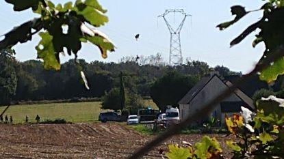 Belgische F-16 neergestort in Frankrijk: een piloot ongedeerd, andere uit hoogspanningslijn gehaald