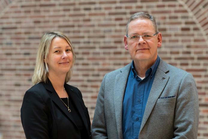Wethouder Laura Werger en directeur Herman Roord van GelreWerkt!.