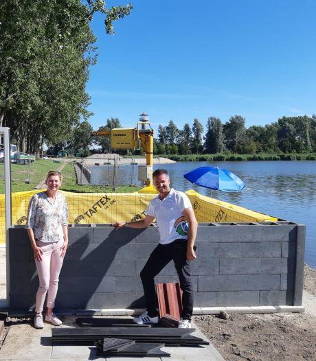 Save Plastics bouwt huis van 7400 kilo afval: 'Een woning zoals een kind zou tekenen'