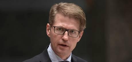 Staatssecretaris Dekker moet islamistische school in Amsterdam betalen