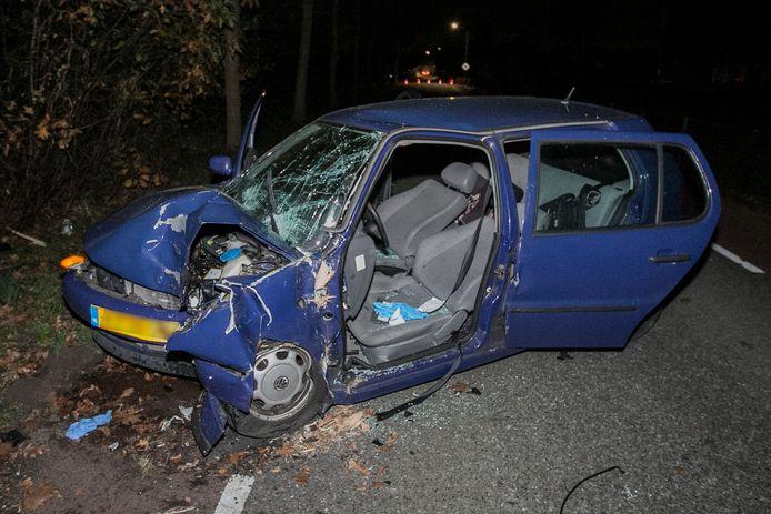 De auto is total loss geraakt.