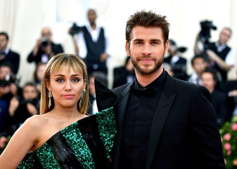 Miley Cyrus en Liam Hemsworth in mei tijdens een benefietgala in The Metropolitan Museum of Art in New York.