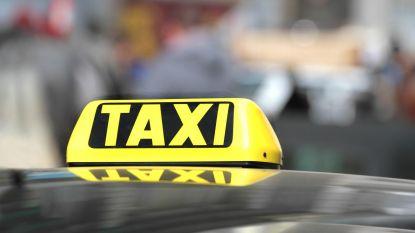 """""""Taxicheques voor jongeren iets duurder door verplaatsingskosten, nu Poperinge geen taxibedrijf meer heeft"""""""