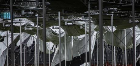 Dak van Mijdrechtse gerberakweker ingestort door wind