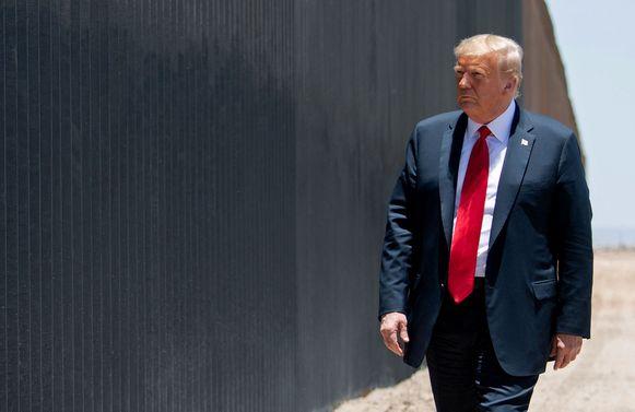 """""""Hij heeft Covid tegengehouden, hij houdt alles tegen"""", zegt president Trump."""