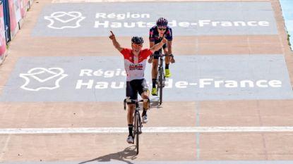 KOERS KORT 28/05: Dewulf (Lotto-Soudal) zegeviert op de Vélodrome in Parijs-Roubaix voor U23