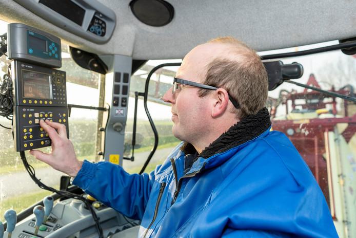 De tractorcabine is een digitaal werkstation geworden.