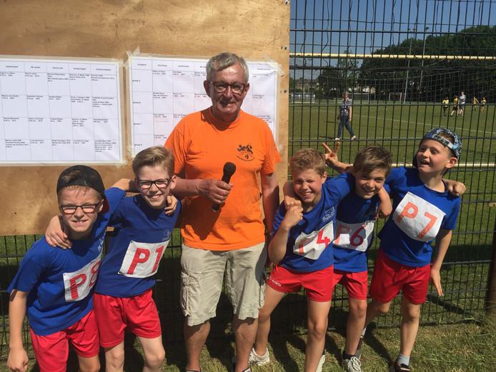 Cees Ligtvoet is al 47 jaar betrokken bij de organisatie van de sportdag.