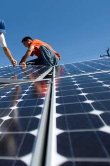 Mega-klus in Waalwijk en Loon op Zand: Huurder krijgt zonnepaneel op het dak
