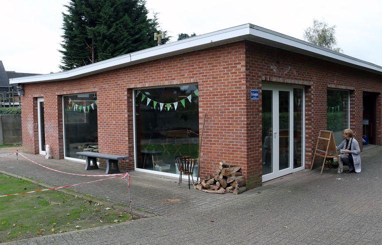 De buitenkant van het outdoorlokaal 'Groenplaats' bij lagere school Windekind Vorselaar.