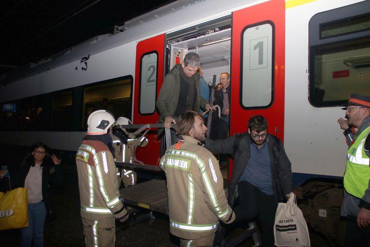 Treinreizigers moesten geëvacueerd worden.