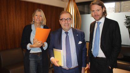 """Burgemeester pakt schepen Ilse Uyttersprot bevoegdheden af. CD&V reageert: """"CD&V is één en ondeelbaar. Wij zijn verbijsterd"""""""