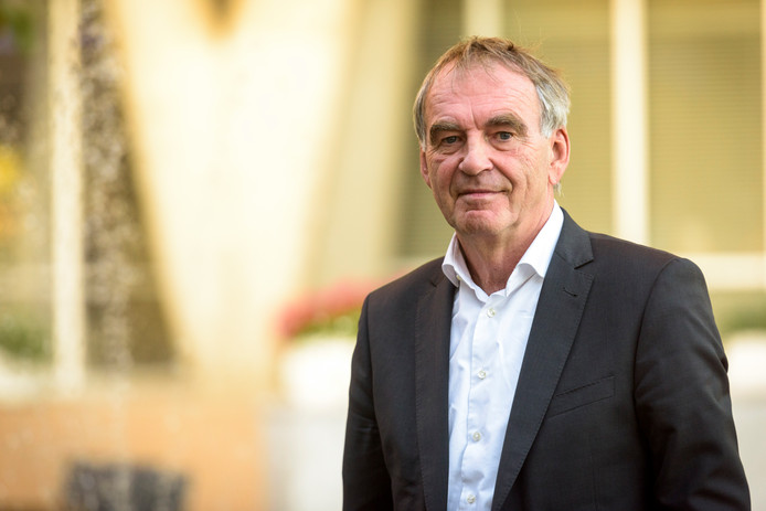 EINDHOVEN - Pieter van Geel, verkenner in de discussie over de toekomst van Eindhoven Airport