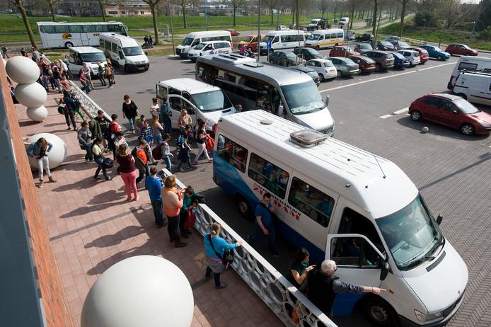 De Gemeente Utrecht ontving in de eerste schoolweek al 110 klachten van ouders over het leerlingenvervoer.