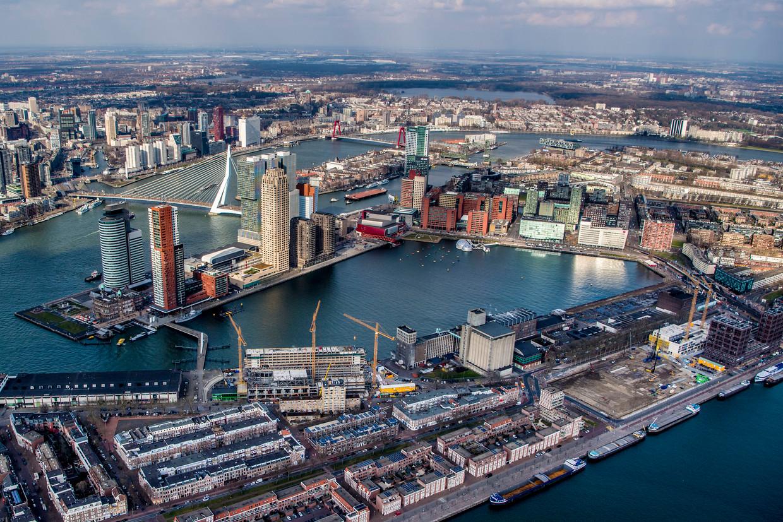 Rotterdam-Zuid vanuit de lucht met onder andere Katendrecht, de Kop van Zuid en de Erasmusbrug.