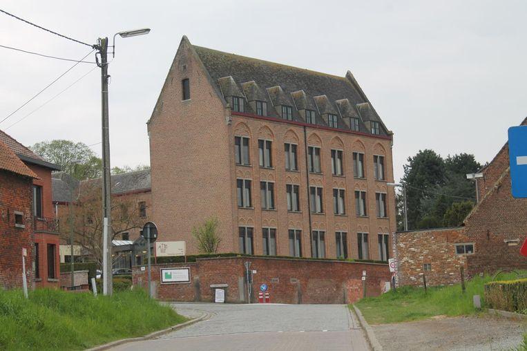 Het kloostergebouw waar Mater Dei gevestigd is, voldoet niet meer aan de hedendaagse eisen in de zorgsector.