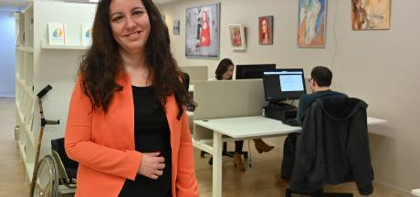Deze vrouw helpt talenten met een handicap om net als zij een mooie carrière te maken
