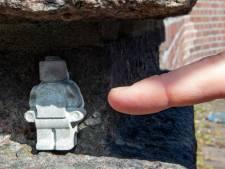 Verstopte Legopoppetjes in Deventer moeten voor glimlach zorgen in barre tijden