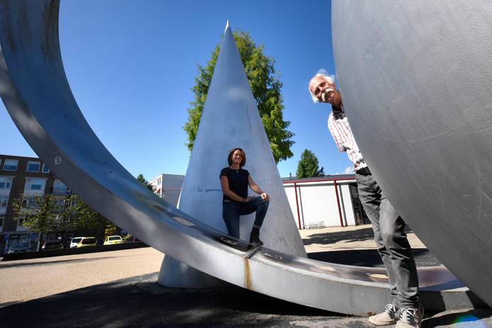 Michael Stallvord en Nicola Lens in het hart van hun wijk.