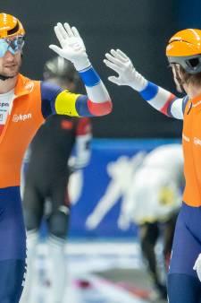 Mannen pakken goud bij teamsprint, schaatssters eindigen achter Rusland