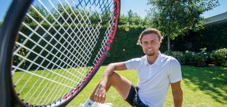 Van Baal legde basis op stenen tennisveld