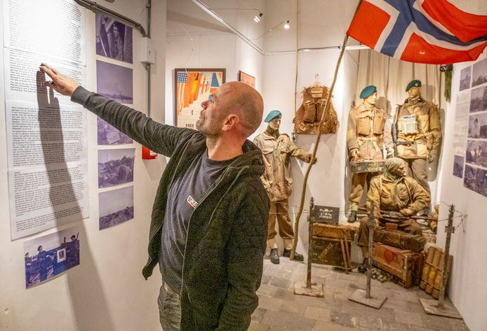 'Conservator' Marcel van Hoepen heeft met Maarten Stroo een tentoonstelling ingericht over het aandeel van een Noorse commando's bij de bevrijding van Walcheren.