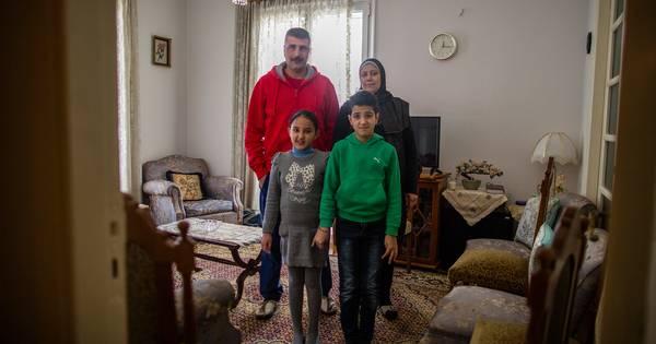 Vluchtelingen in griekenland eindelijk appartement na 10 for Echo reizen den haag