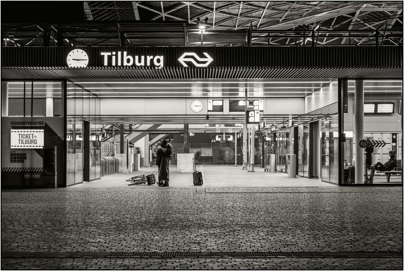 Winnende foto van Chris Oomes 'Ticket to Love' Stadsfotograaf Tilburg.