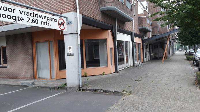 Onder het gebouwencomplex zit ook ene parkeergarage, die vanaf de Gasthuisstraat toegankelijk is.