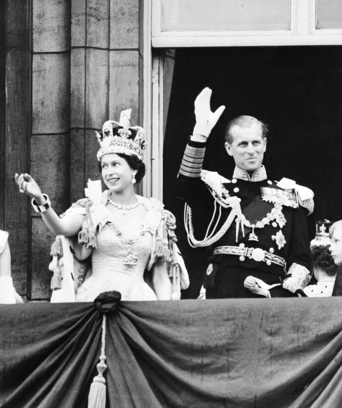 Elizabeth en haar man Philip na de kroning op 2 juni 1953.