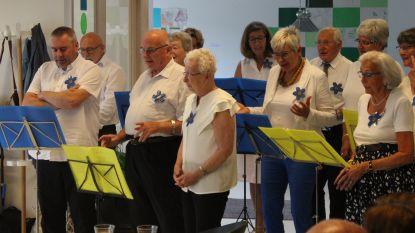 Personen met dementie en mantelzorgers vormen koor Vergeet-me-nietjes