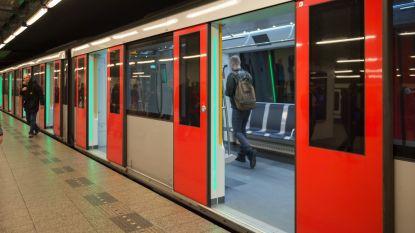 Metrostation Amsterdam voorlopig gesloten door plofkraak