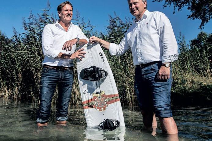 Robbert van den Bosch ( l ) en zakenpartner Peter Schiphorst willen de Galderse Meren transformeren tot een watersportcentrum.