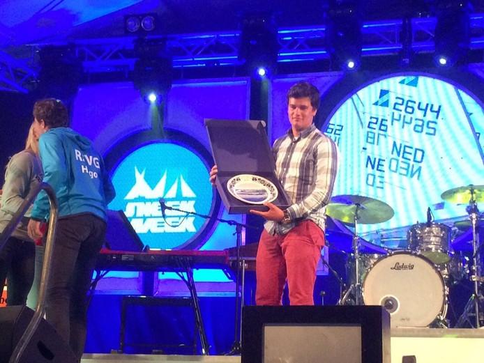Lucas Peeters werd eerste tijdens de slotwedstrijd van de Sneekweek.