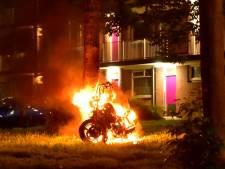 Motor gaat in Nieuwegein in vlammen op
