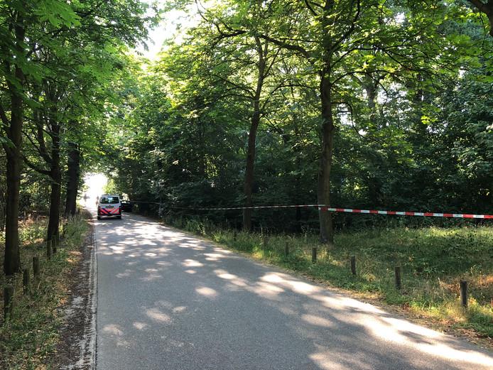 Een bosperceel in natuurgebied het Engelse Werk is afgezet.