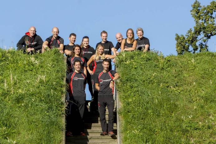 Het bestuur van de eerste editie van de Rovers Run, met rechtsonder Mitchell van Egeraat.