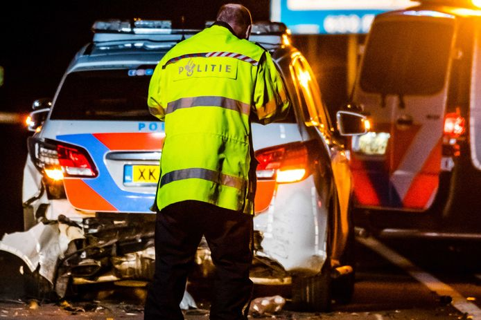 Politieonderzoek na de dodelijke crash zaterdagavond.