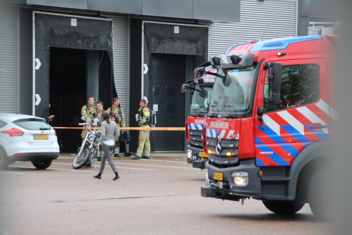 Brandweer bij de medicijnfabriek in Lelystad vanmorgen.