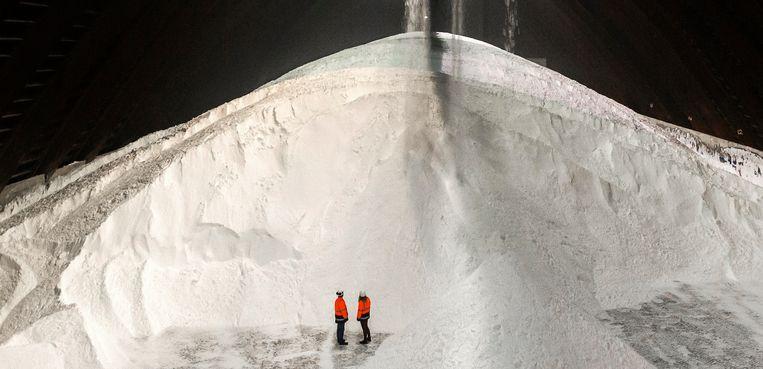 Het meeste zout dat wordt gewonnen, gaat naar de chemische industrie. Beeld ANP