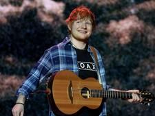 Britse hitzanger Ed Sheeran verloofd met jeugdvriendin