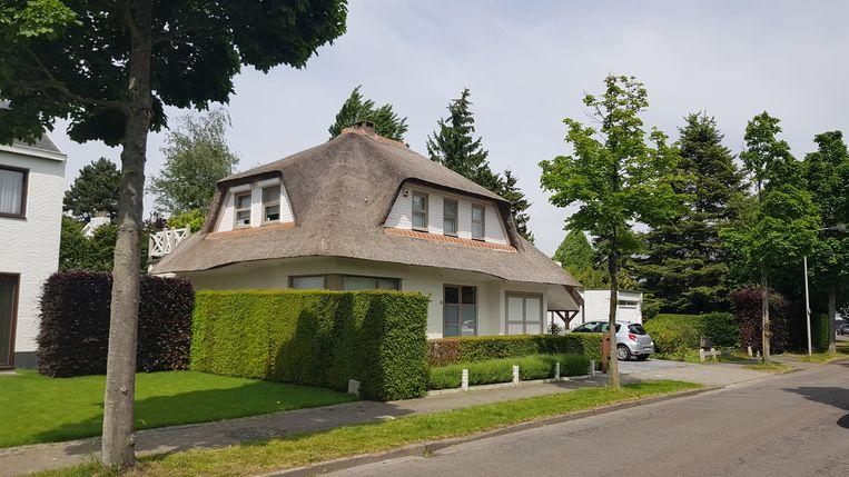 In deze villa in Edegem ging de overvaller er met de Mercedes van de bewoners vandoor.
