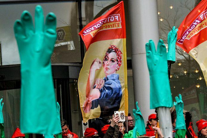 Action des aide-ménagères du secteur des titres-services, organisé par la FGTB et la CSC, le 28 novembre 2019 à Bruxelles.