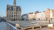Opbouw van ijspiste op Markt in Oudenaarde van start,  wekelijkse markt kan gewoon doorgaan