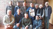 'Kunst in Lege Huizen' strijkt neer in voormalig gemeentehuis Mazenzele: laatste kans om gebouw van dichtbij te bezichtigen