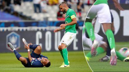 """Mbappé houdt verstuikte enkel over aan doodschop, L'Équipe: """"Het zou mirakel zijn als hij fit raakt voor Champions League"""""""