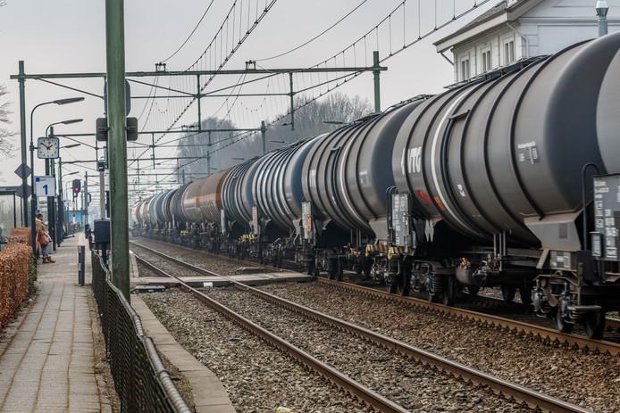 Ketelwagens op het spoor. Foto ter illustratie