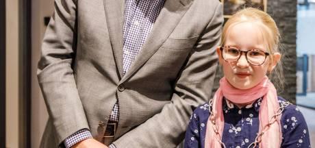 Rose (9) is de eerste kinderburgemeester van Steenwijkerland