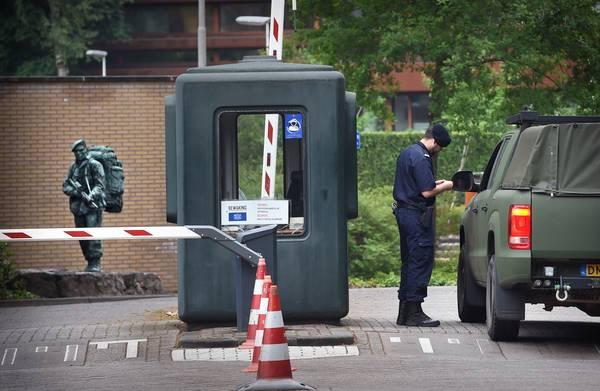 **Tientallen kilo's drugs gevonden op terrein marinekazerne in Doorn**